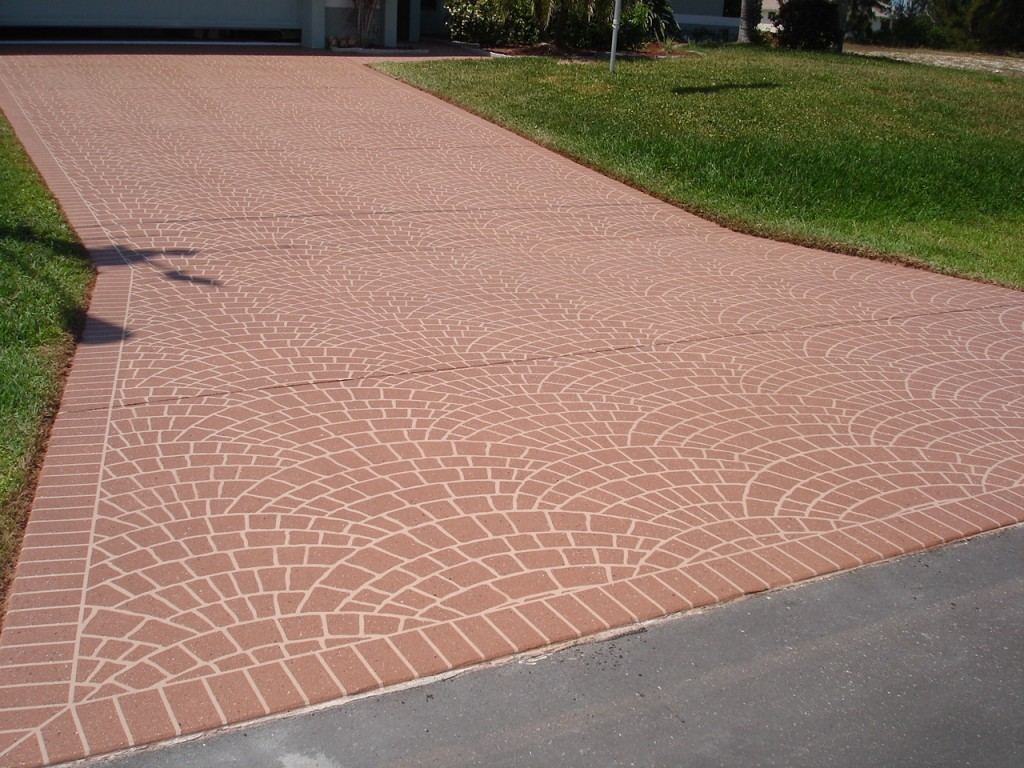 paver driveway after power washing and sealing